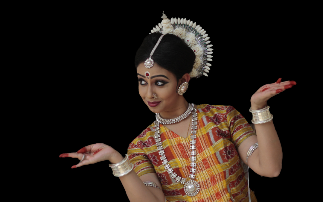 Aharyabhinaya in Odissi