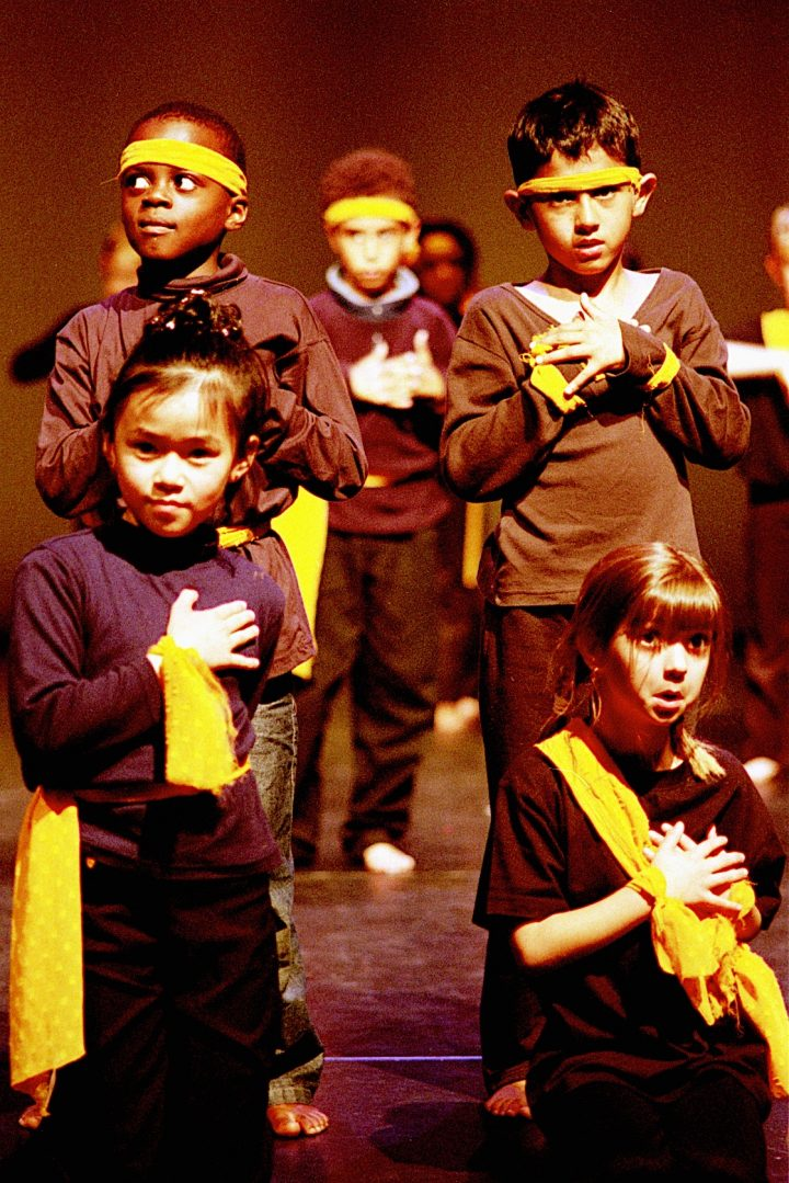 Akademi's Dance Connect 2002